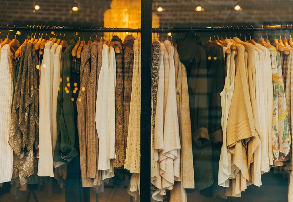 Best Tips to Consider When You Buy Clothes Online
